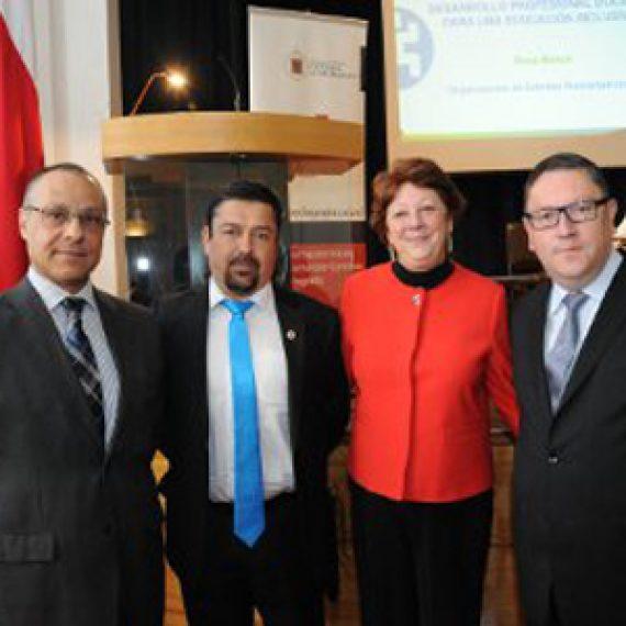 Directora de OEI en Chile inauguró Año Académico de la Escuela de Pedagogía