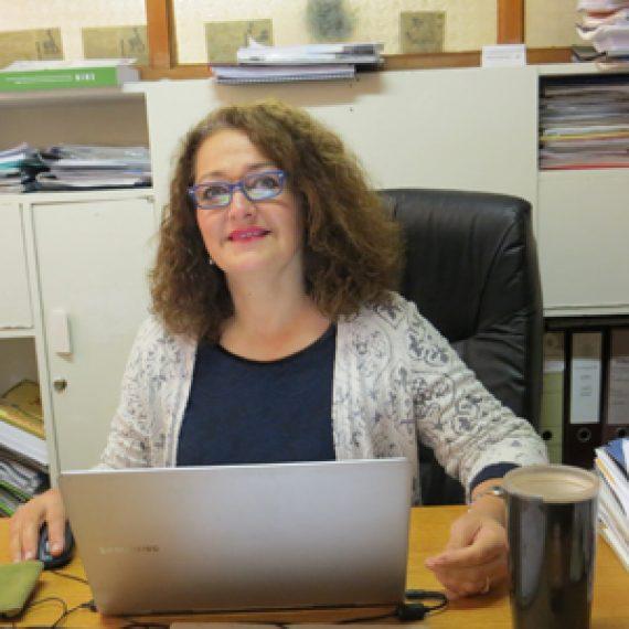Profesora Silvia Redon se adjudica Fondecyt para investigar sobre redes sociales, ciudadanía y el sentido de lo común