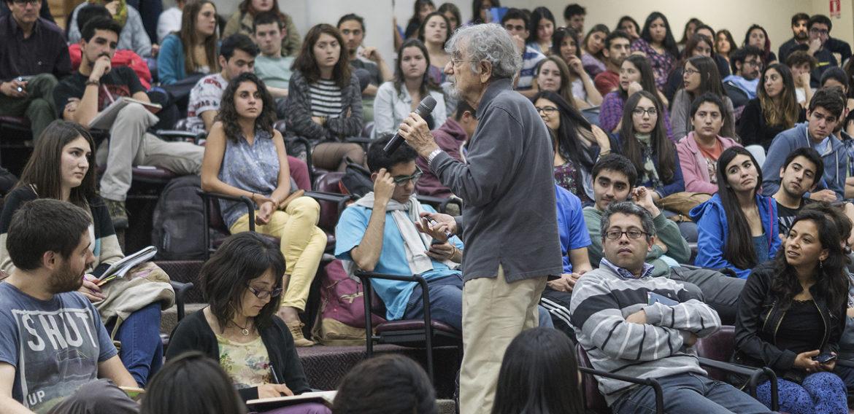 Premio Nacional de Ciencias Humberto Maturana se reunió con estudiantes PUCV