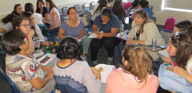 """Educación Parvularia reunió a estudiantes en práctica, mentoras y tutoras en """"Encuentro Triada Formativa"""""""