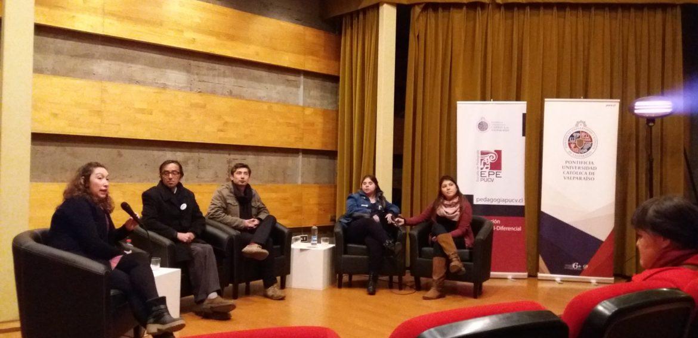"""Escuela de Pedagogía y Cineteca PUCV realizaron pre-estreno del documental """"Los niños"""""""