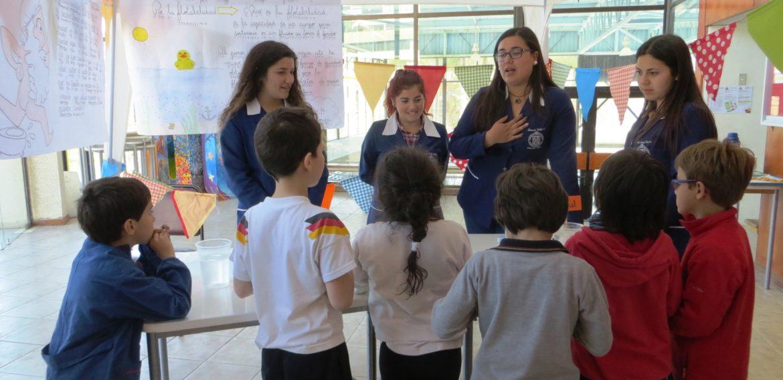 Equipo de Feria Científica de la Escuela de Pedagogía participó en Feria Científica del Colegio Alemán de Viña del Mar