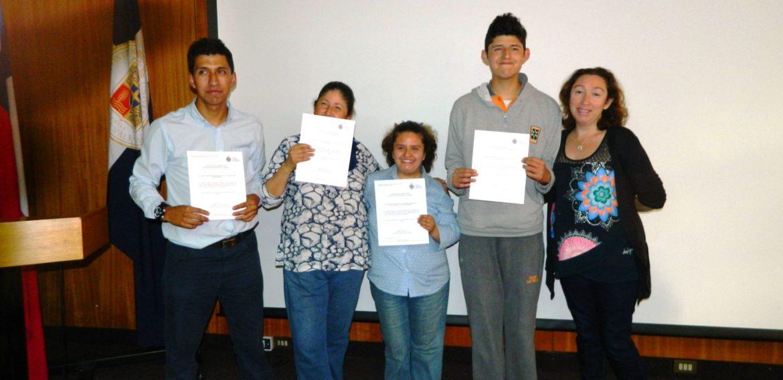 """Participantes de """"+Autogestores"""" reciben certificados de formación"""