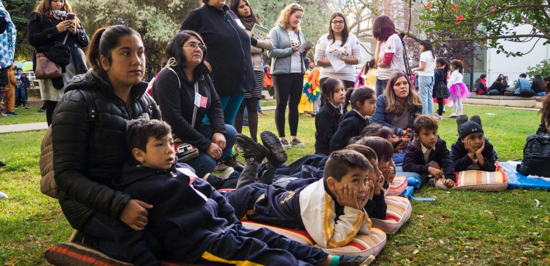 Cerca de 150 niños y niñas participaron de la Invasión Lectora organizada por la Escuela de Pedagogía PUCV