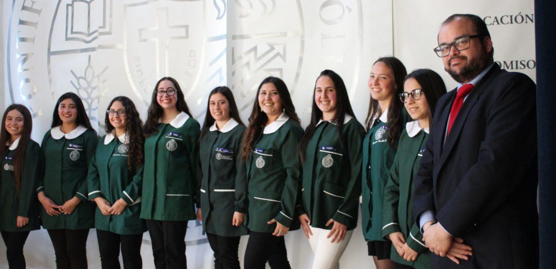 Cerca de 100 estudiantes de Educación Especial y Educación Parvularia viven Ceremonia de Investidura de Práctica Docente Inicial
