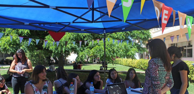 Estudiantes de 4to año de Educación Especial comparten experiencia de viaje a La Serena en Feria de Difusión