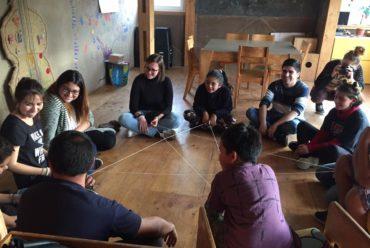 """Estudiantes de """"Juegos y aprendizajes"""" de Educación Básica iniciaron talleres en Ludoteca del Cerro Merced"""