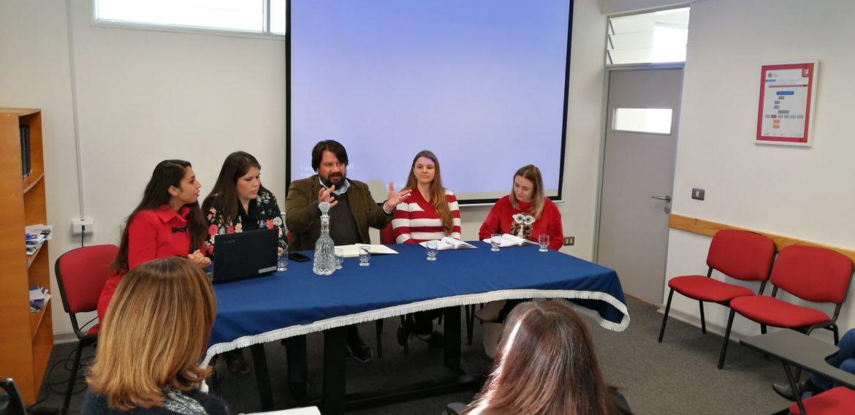 Magíster en Liderazgo y Gestión en Organizaciones Escolares efectuó conversatorio sobre su pionero programa de movilidad