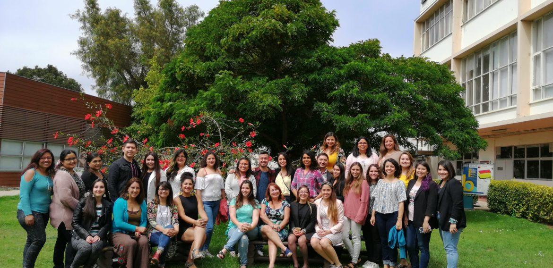 Ex alumnos/as de Educación Básica PUCV se reúnen en una versión de Re – Egresa
