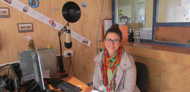 Ex alumna Carolina Pabst y su experiencia laboral en la Región de Aysén: enseñando desde la riqueza sociocultural de la Patagonia